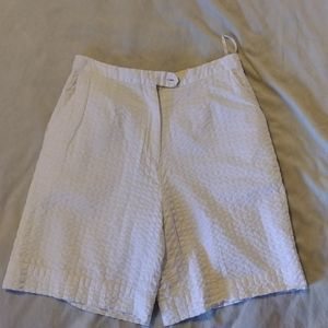 EUC Lilly Pulitzer Ladies White Shorts